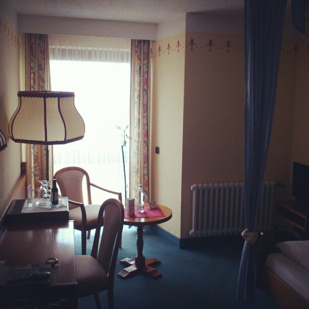 2hotel